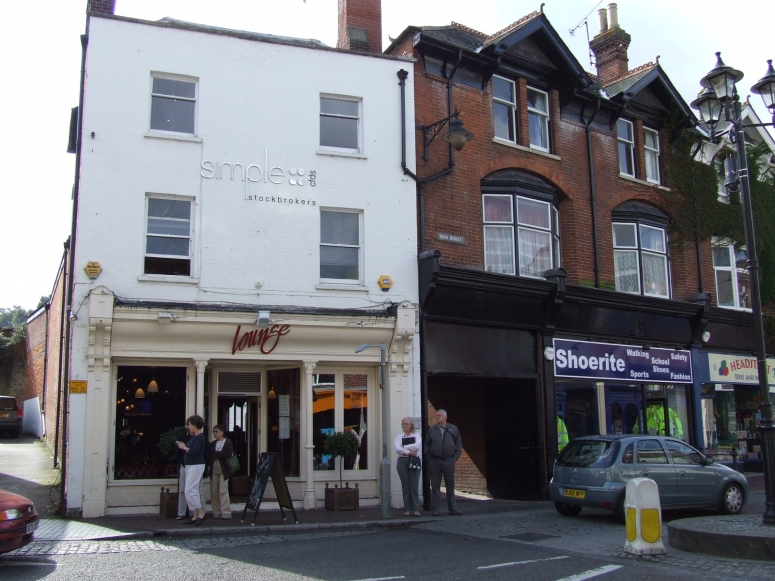 SEPTEMBER 2017 - 1 High Street, Godalming - 1st & 2nd floor offices