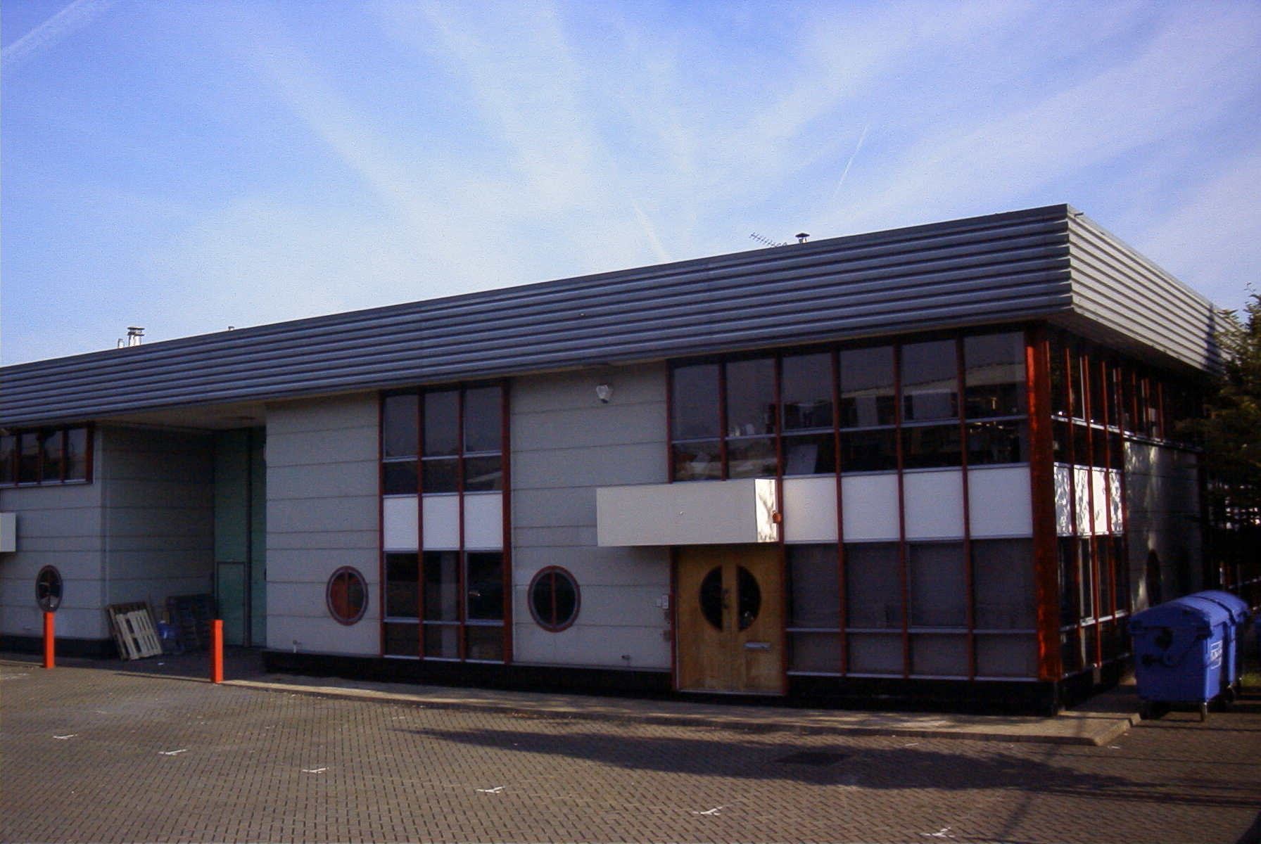 4 RIVERSIDE BUSINESS PARK, Walnut Tree Close, GUILDFORD - LETTING