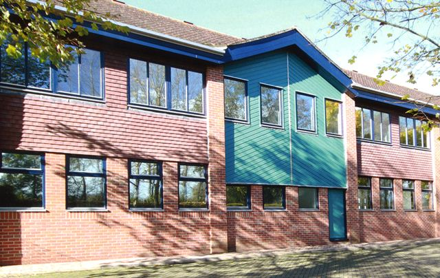 4 RIVERWAY INDUSTRIAL ESTATE, Portsmouth Road, Guildford