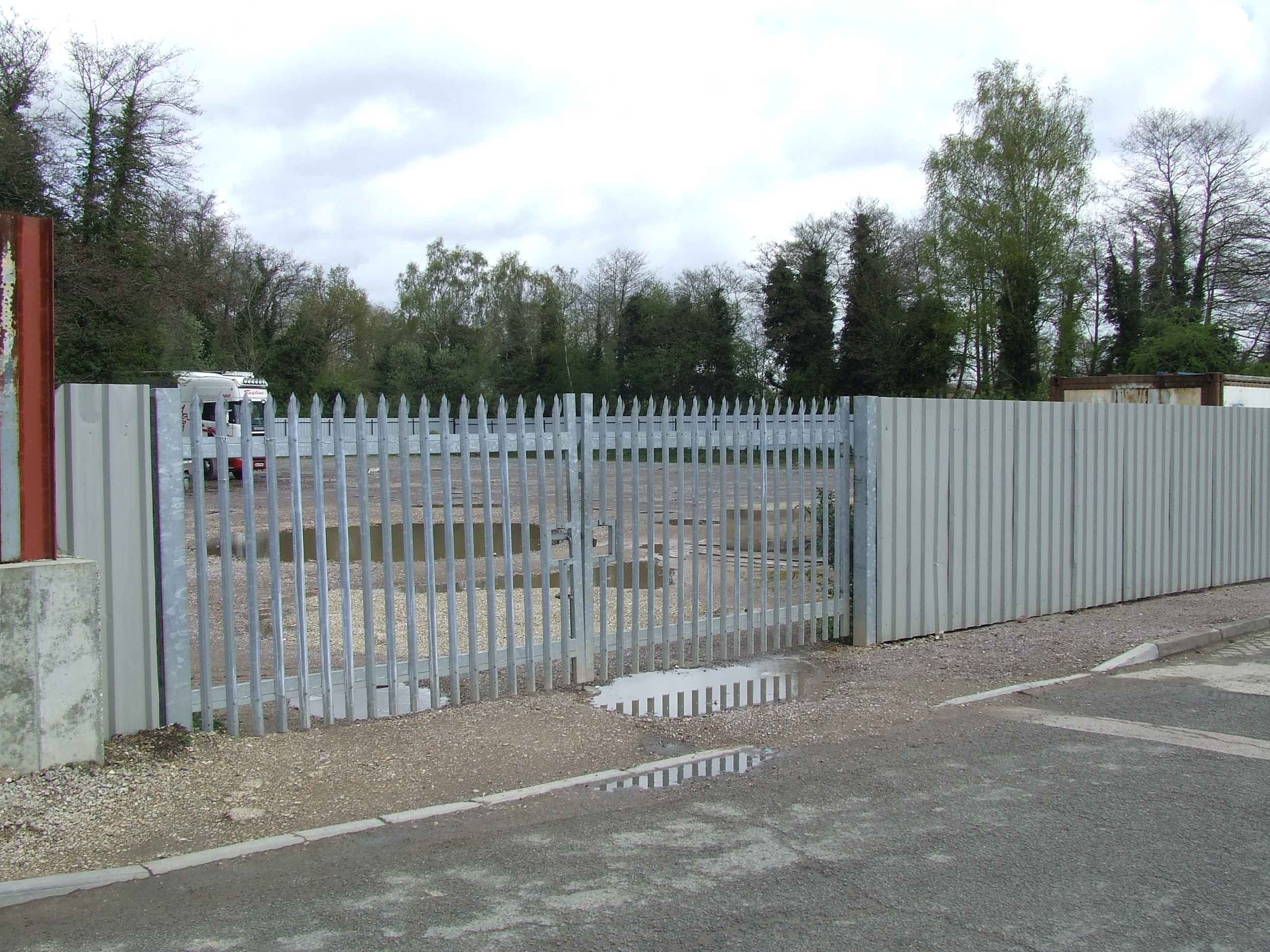 OPEN STORAGE LAND, Riverway Estate, GUILDFORD - LETTING