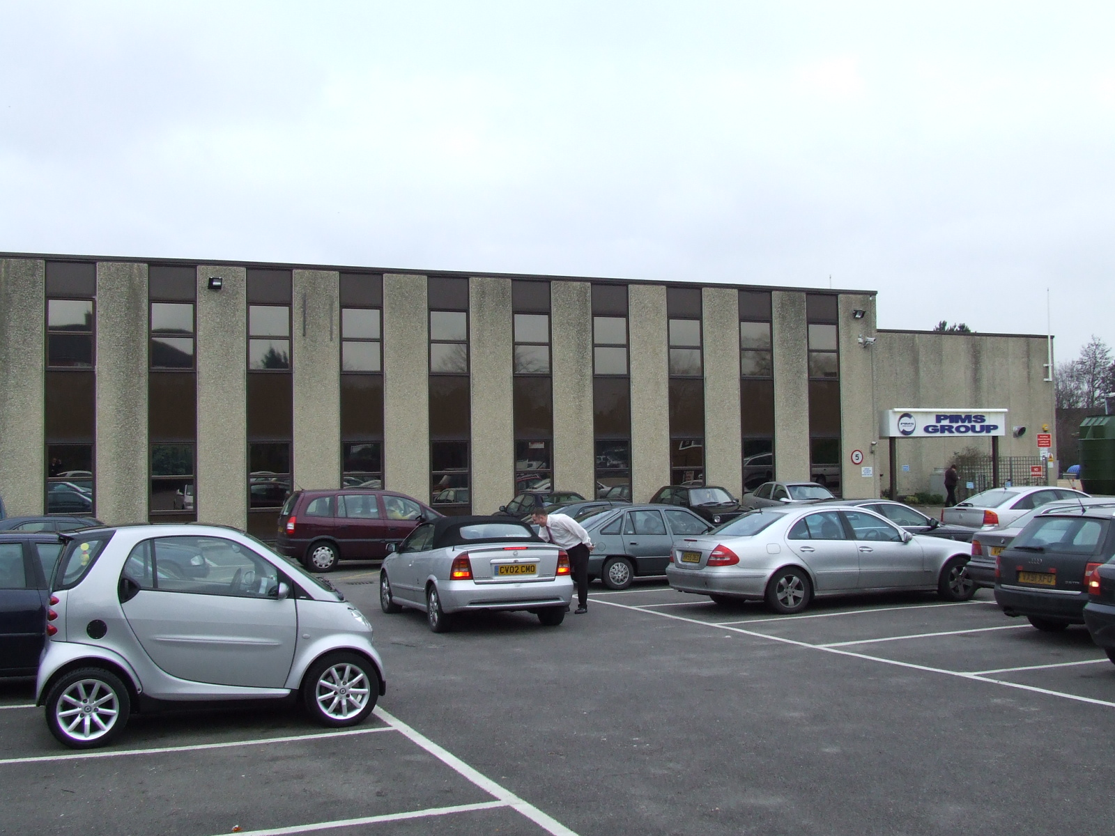 UNITS 1 & 2, 106 Hawley Lane, FARNBOROUGH  - FREEHOLD INDUSTRIAL INVESTMENT
