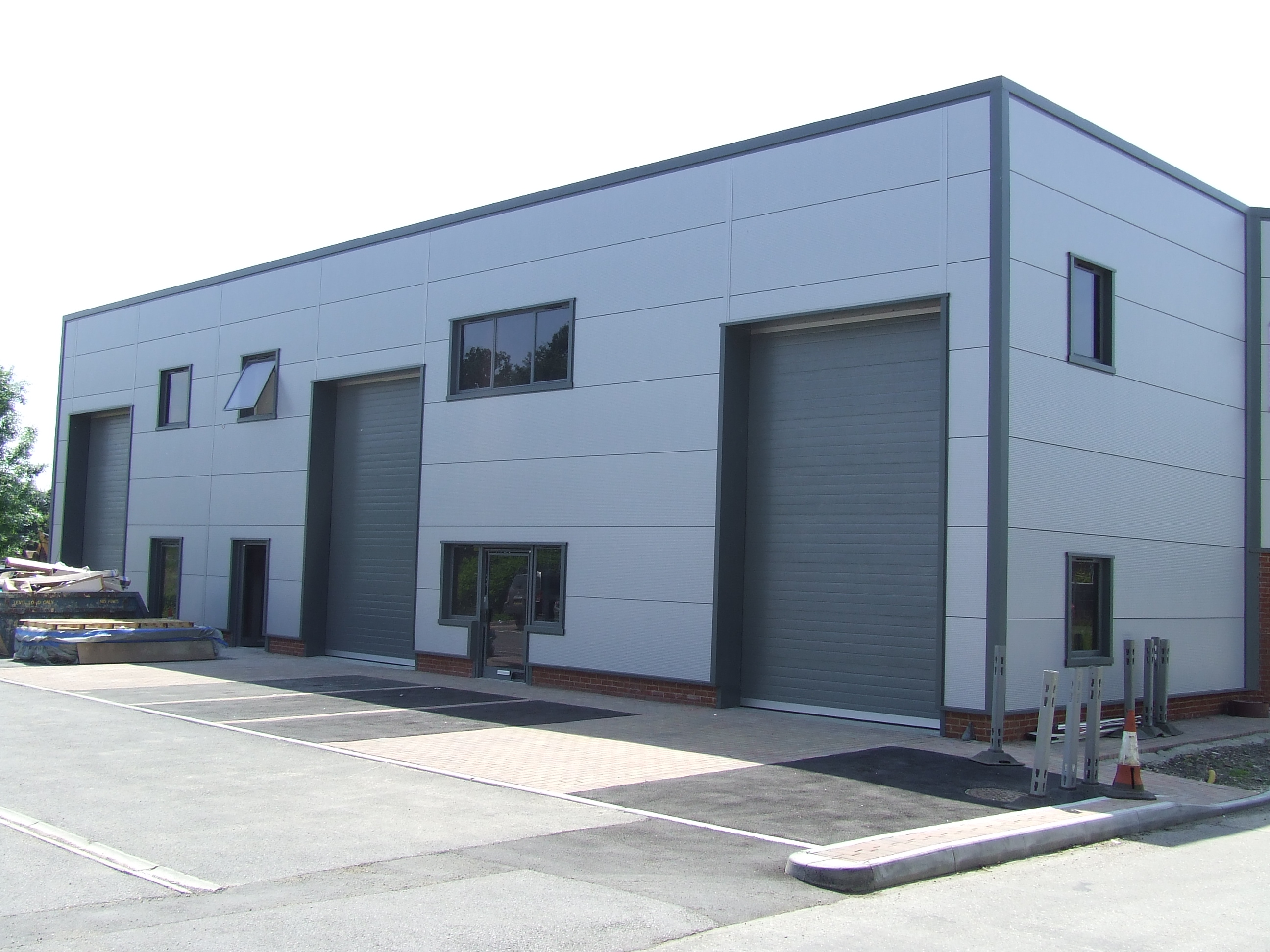 UNIT 2 WILLIAMS COURT, Littlemead Industrial Estate, CRANLEIGH - SOLD