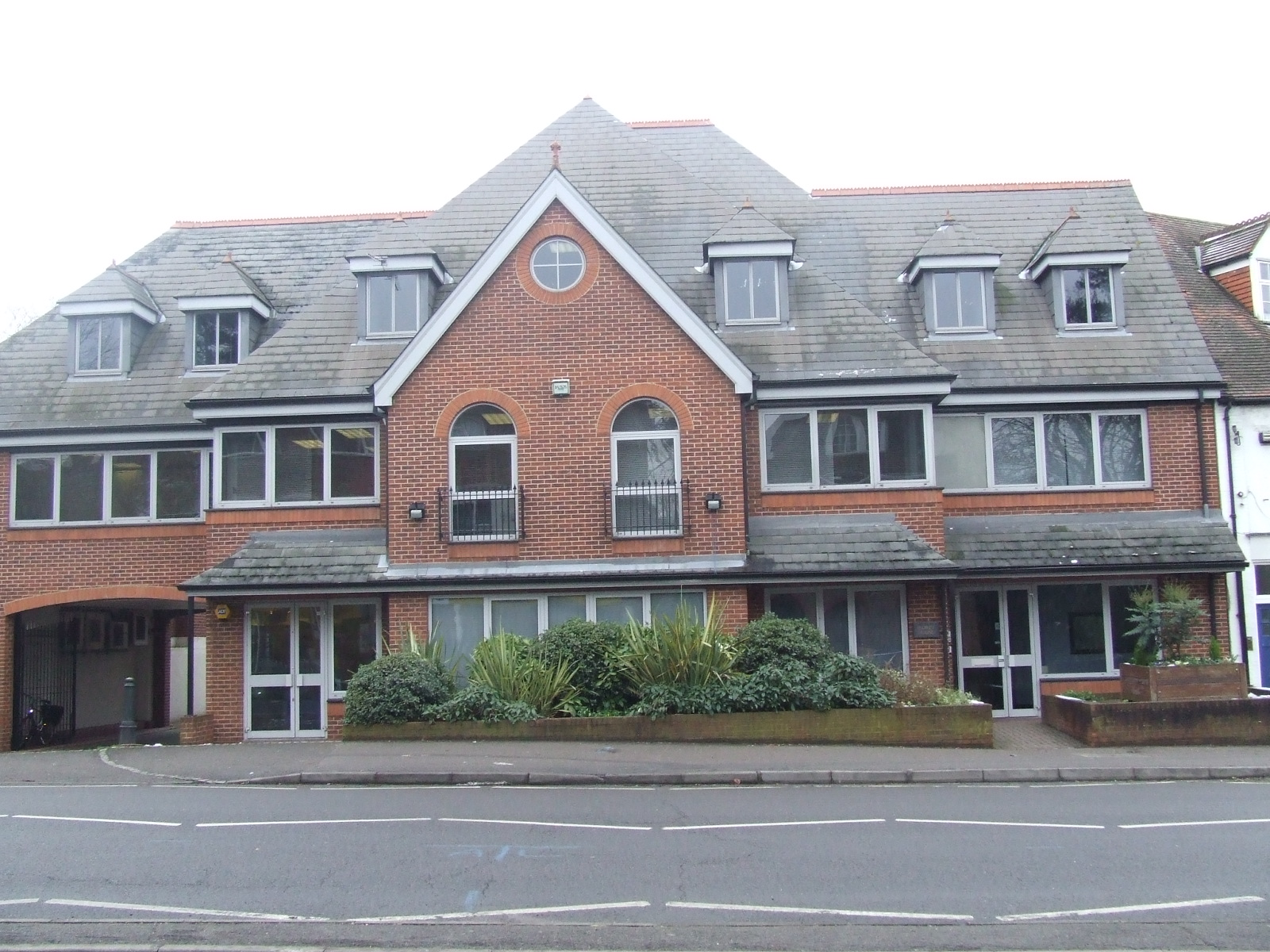 HARLEY HOUSE (Ground floor offices), 94 Hare Lane, CLAYGATE - LETTING