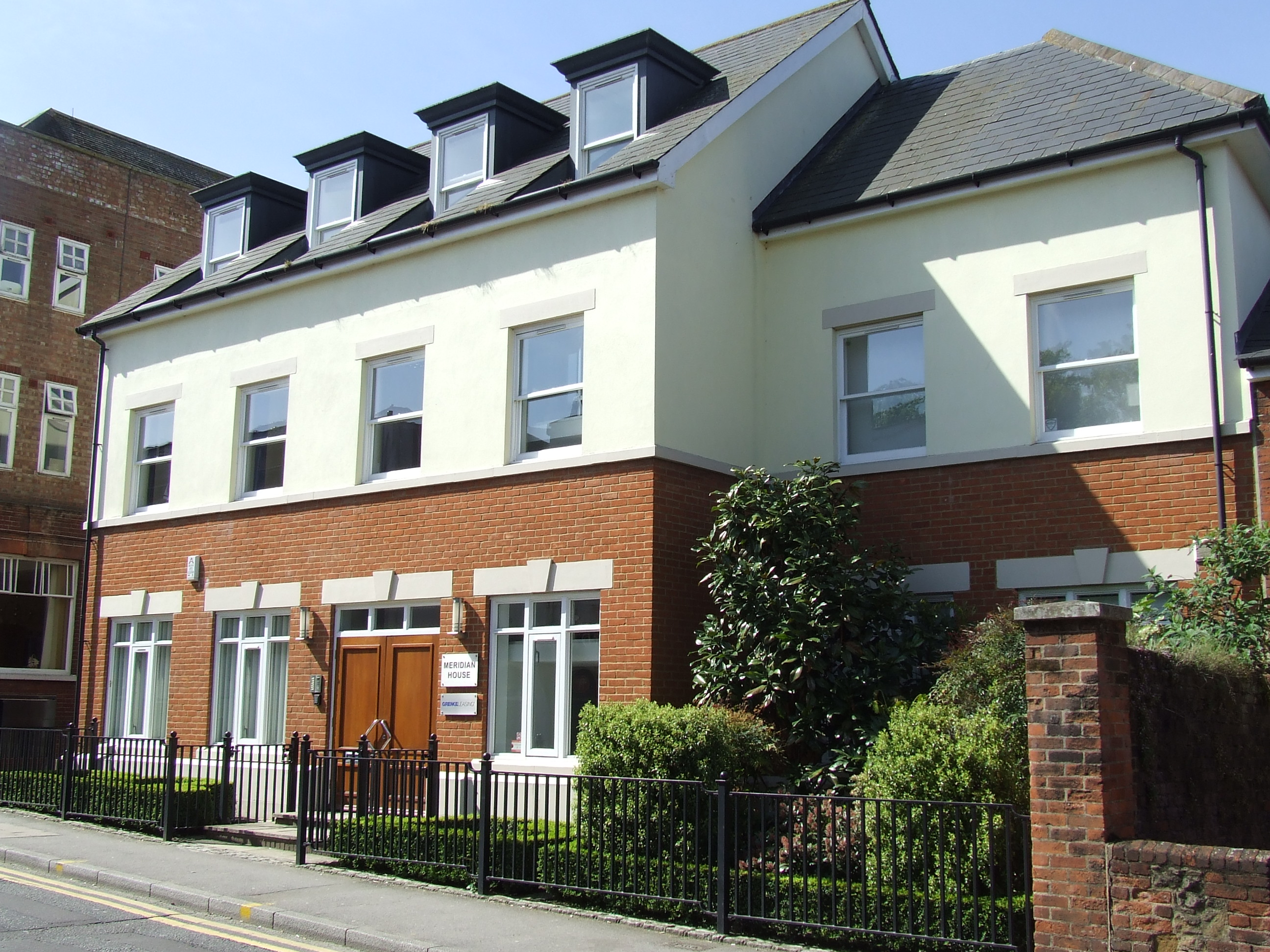 MERIDIAN HOUSE, Chertsey Road, Guildford - Ground Floor Office Suite :  1,738 sq ft