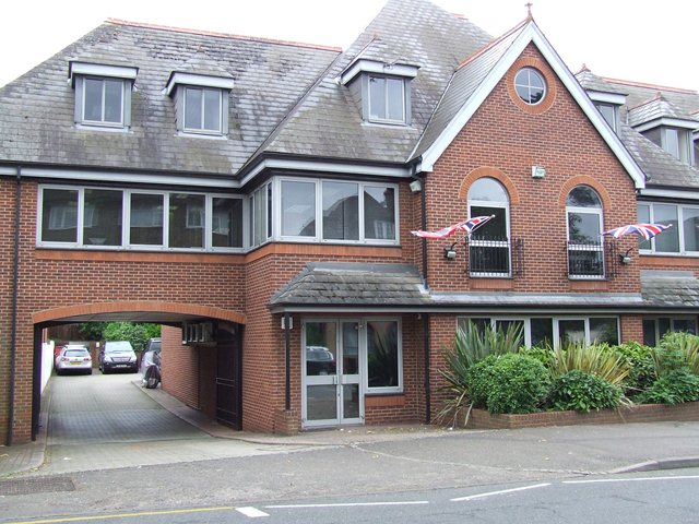 HARLEY HOUSE, HARE LANE CLAYGATE - 2ND FLOOR OFFICE SUITE