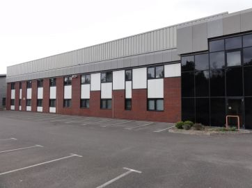 UNIT 4A, SAXONY WAY, Blackbushe Business Park, YATELEY - ACQUISITION