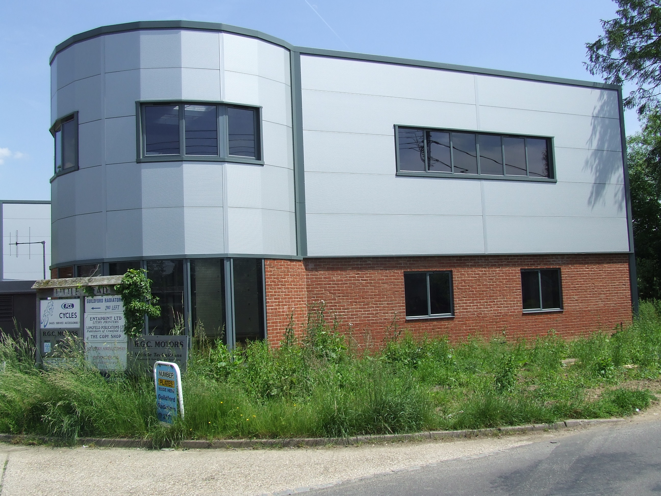 UNIT 7 WILLIAMS COURT, Littlemead Industrial Estate, CRANLEIGH - SOLD
