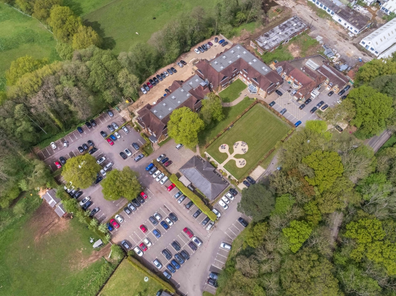 OFFICES AVAILABLE 2019  :  Tanshire Park, Shackleford Road, Elstead